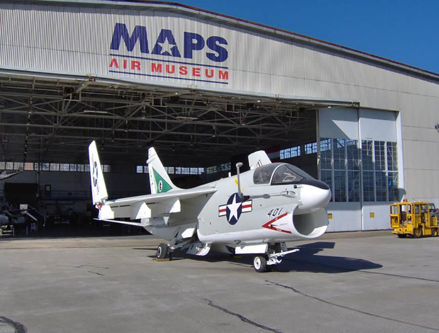 Chance-Vought-A-7E-Corsair-II